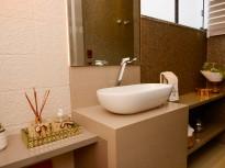 Banheiro é onde buscamos conforto e equilíbrio.